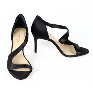 "Vince Camuto ""Purch"" sandal - black size 8"